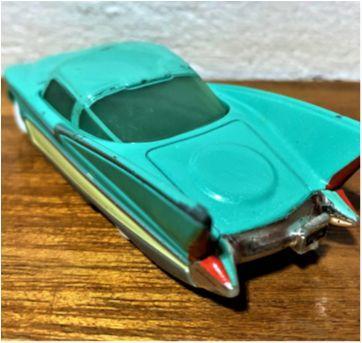 4834 - Flo … figura importante em Radiator Springs - Sem faixa etaria - Disney