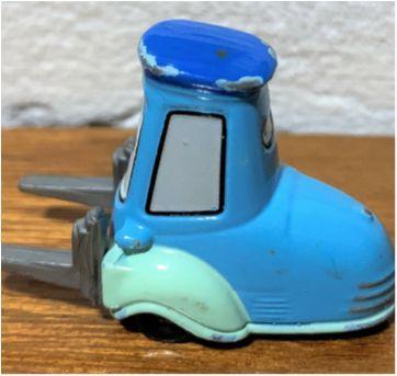4833 - Guido – o bambam do Pit Stop - The Cars. - Sem faixa etaria - Disney