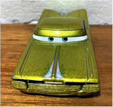 4844 - Ramone – versão dourada - Sem faixa etaria - Disney