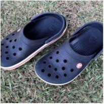 4982 - Crocs marinho – 4M/6W USA – 34/35 BR – 21.5 cm. - 34 - Crocs