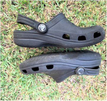 4976 - Crocs preto modelo clássico – 12/13 USA – 30/31BR – 18 cm. - 30 - Crocs