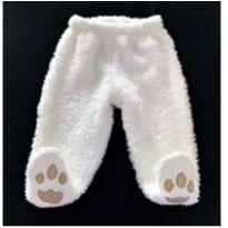 MT - 5362 - Calça branca peluciada com pezinho – Teddy Boom – 6 a 9 meses.