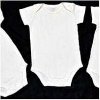 MT - 5398 - Três bodies brancos unissex Carter's  – 6 meses - 6 meses - Carter`s