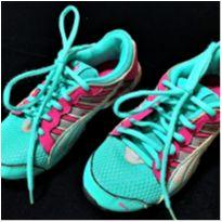 6286 – Tênis Nike – Menina 2 USA – BR 31/32 – 20 cm.