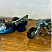 6819 – Carro & Moto Hot Wheels – 7 cm. -  - Hot Wheels
