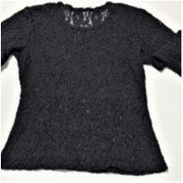 6851 – Blusa preta rendada – Menina 14 anos
