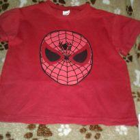 Camiseta vermelha homem aranha