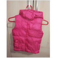 Colete pink com poás branco impermeável com capuz - 3 anos - marisa