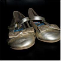 Sapato dourado DORA - 20 - Dora Aventureira