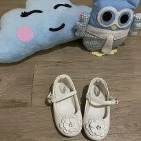 Sapato branco Klin
