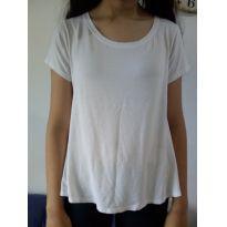 Camiseta branca desapego da Malu ❤️ - 13 anos - Não informada
