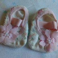 Meia sapatinho de tecido - 0 a 3 meses - Sem marca