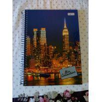 Caderno capa dura universitário 96 folhas - Sem faixa etaria - Não informada