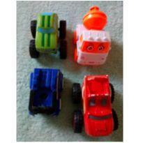 Carrinhos pequenos - 4 carrinhos pelo preço -  - Não informada