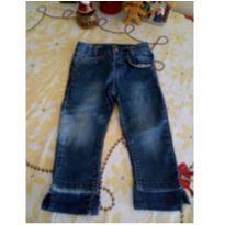 Calça jeans molinho - possui sinais de uso - 6 a 9 meses - Não informada