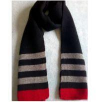 Cachecol preto vermelho e cinza