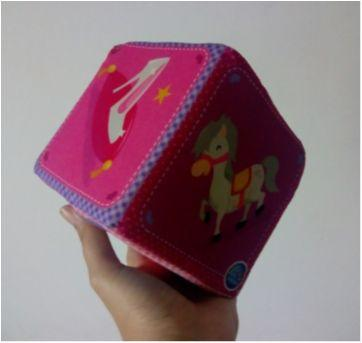 Cubo almofadinha 12 cm x 12 cm pais & filhos - Sem faixa etaria - pais e filhos