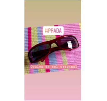 Óculos de sol original Prada vermelho para adolescentes como a Malu ou mamães ❤️ - Sem faixa etaria - Prada