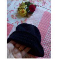 Touca em lã preta feito a Mão -  - Feito à mão