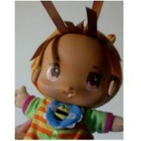 boneca chocalho Playskoll