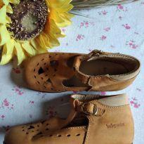 Sapato vintage caramelo Babyzeta