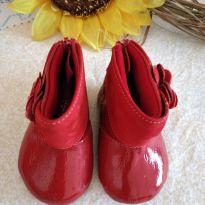 Sapatinho vermelho Pampili muito fofinho