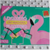 Dominó em madeira Flamingo