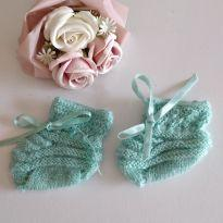 Sapatinho de lã para recém nascido -  - Artesanal e Feito à mão