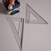 Réguas- esquadro (2 peças) cód 02 -  - Não informada
