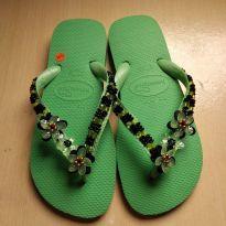 Chinelo decorado a mão Havaianas tamanho 37/38 tom verde - 37 - Havaianas