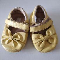 Sapatinho amarelo Doce Bebê - 15 - Doce Bebê