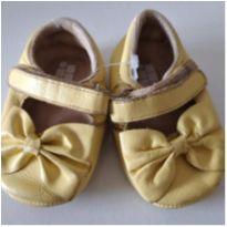 Sapatinho amarelo Doce Bebê - 13 - Doce Bebê