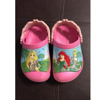 Crocs Princesas - 22 - Crocs
