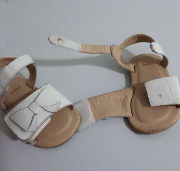 Sandália em couro branco Bibi - 18 - Bibi