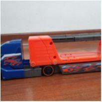 Caminhão Cegonha Super Radical Cabide destrutiva Hot Wheels Mattel -  - Hot Wheels e Mattel