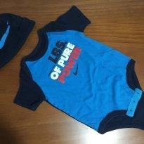 P316 Body e gorro Nike - 6 a 9 meses - Nike
