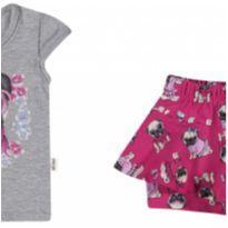 21829 Conjunto blusa e shorts saia. Tam M (6 a 9 meses). - 6 a 9 meses - Elian