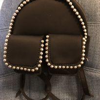 Mochilinha preta com tachinhas -  - Zara
