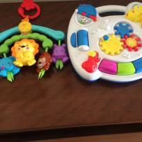 Móbile Fischer & Price e Mesinha de Atividades Zoop Toys -  - Várias