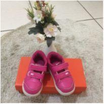 Nike rosa tamanho 23