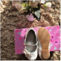Sapato branco de couro Pampili tamanho 23 - 23 - Pampili