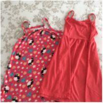 02 vestidos vermelhos tamanho 04 - 4 anos - Não informada