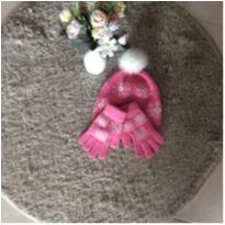 Conjunto de luva e touca de lã tamanho 02