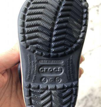 Crocs azul marinho tamanho C4-5 - 22 - Crocs