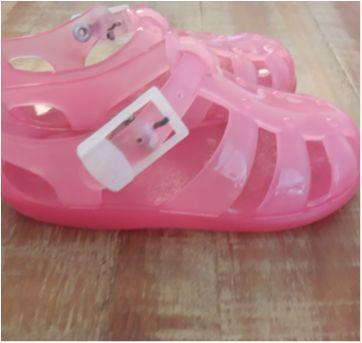 Sandália rosa de plástico da CHICCO - 24 - Chicco