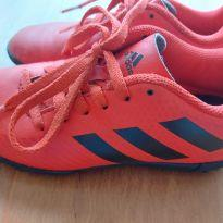 Chuteira vermelha Adidas - 28 - Adidas