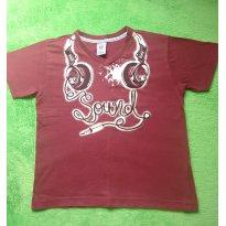 Camiseta vinho Fone de Ouvido Brilha no Escuro - 8 anos - Não informada