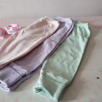 Trio de calça com pezinho, reversíveis Super queima de estoque! De 12,80 por 9 - 6 a 9 meses - Não informada