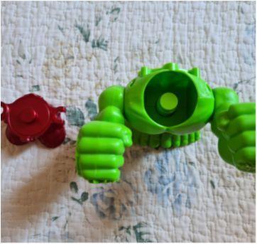 Hulk e Homem de Ferro - para massinha - Sem faixa etaria - Play-Doh