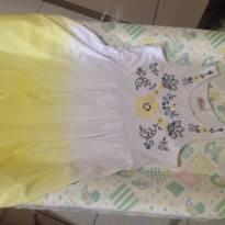 Lindo vestido carinhoso tamanho 8